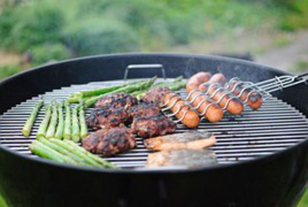 Les astuces de grand m re pour nettoyer la grille du barbecue sant tips - Nettoyer grille barbecue rouillee ...